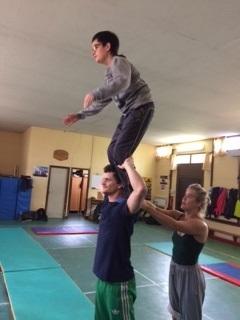 Esteban sur les épaules d'André